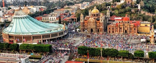 plaza-del-zocalo-fondo-basilica-guadalupe