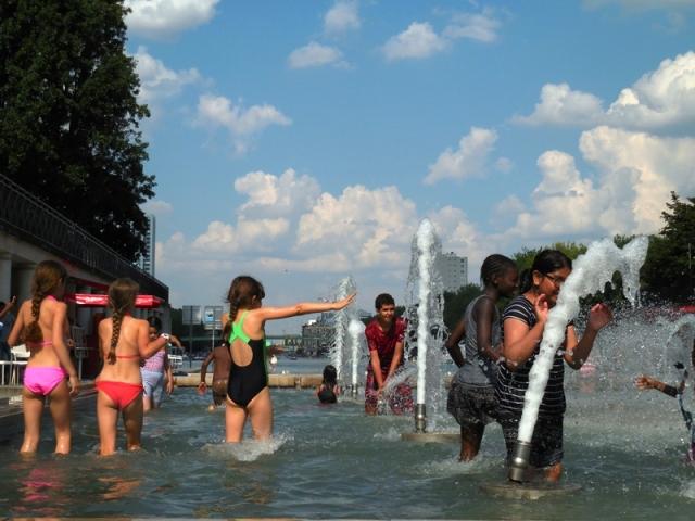 Jeux d'eau Place Stalingrad