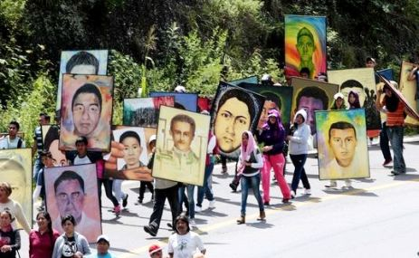 Manifestation en faveur des étudiants disparus d'AYOTZINAPA - Photo DR
